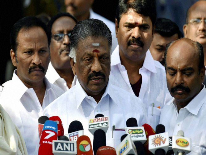 Pannerselvam dismisses Sasikala's charge of DMK conspiracy