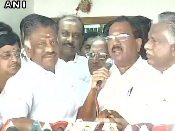 TN Minister Pandiarajan joins Panneerselvam camp