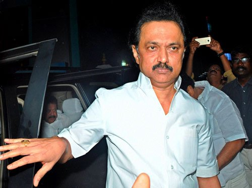 DMK to vote against Palaniswami; Cong seeks high command's advice