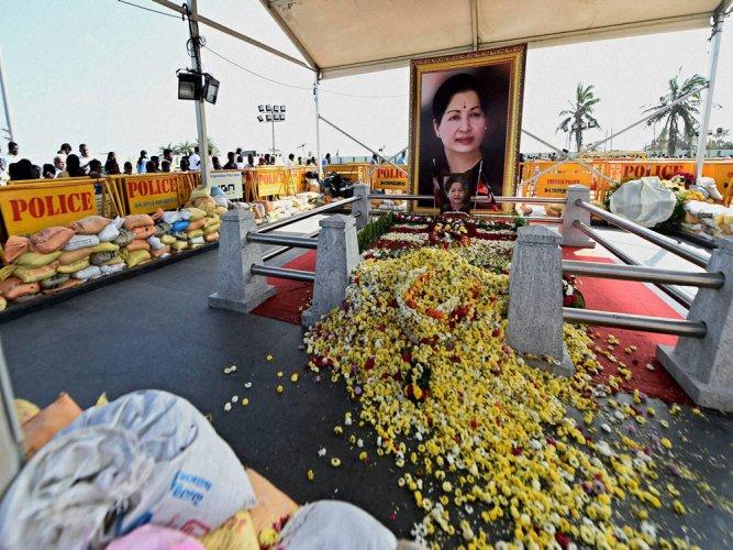 AIADMK MP demands CBI probe into Jayalalithaa's death