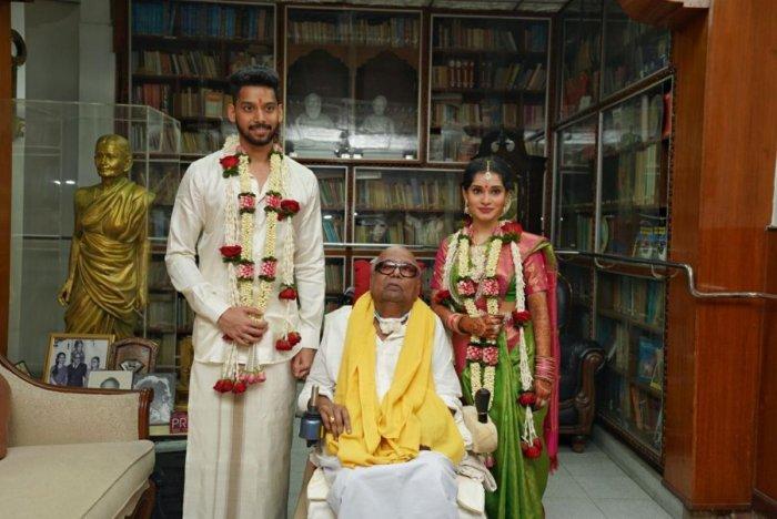 DMK cadres catch glimpse of Karunanidhi at great-grandson's wedding