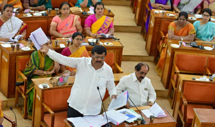 Opposition leader Padmanabha Reddy at the BBMP council meeting on Thursday. DH PHOTO/RANJU p