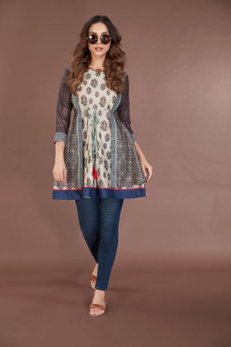 A kurti is indispensable for a contemporary woman's wardrobe.