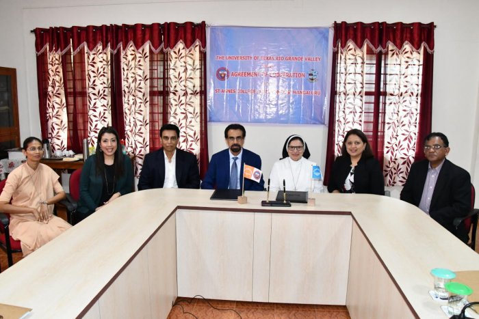 St Agnes College principal Sr M Jeswina and executive vice president, UTRGV, US, Dr Parwinder Grewal sign an agreement of co-operation to help students aspiring for foreign degrees.