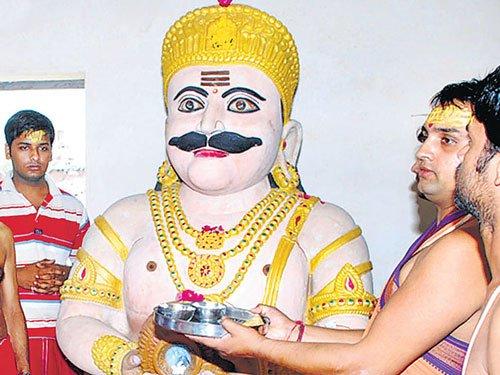 Devotees worship Ravana in Mandore