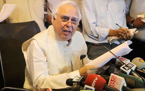 Government not to interfere with BCCI affairs