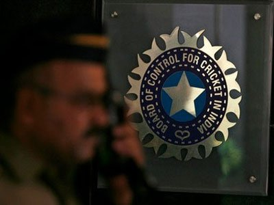 BCCI set to oppose use of two new balls in ODIs