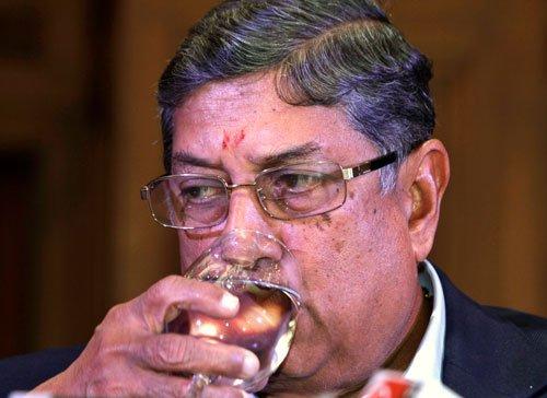 Srinivasan moves SC to resume office as BCCI prez