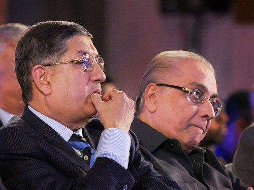 SC leaves it to BCCI to take call on keeping Srinivasan away