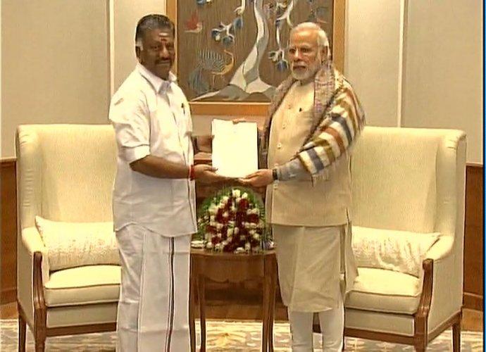 Jallikattu matter is sub-judice, We support you: PM Modi to Panneerselvam