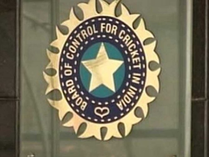 BCCI seeks Sridhar's replacement