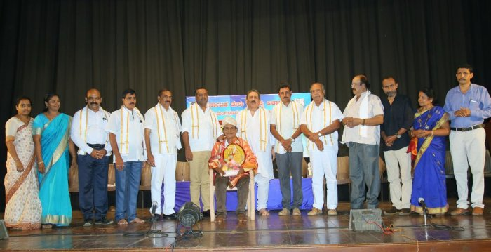Senior theatre artiste Gangadhar Shetty Alake was felicitated during the inauguration of the week-long Tulu drama fest at Town Hall in Mangaluru.