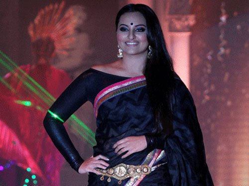 Sonakshi was 'nervous' about working with Rajinikanth