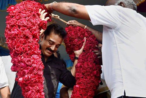Kamal Haasan turns 61, honours renowned writer