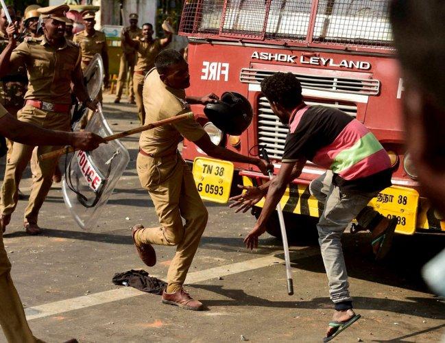 Jallikattu: Kamal Haasan shocked over police action on protesters