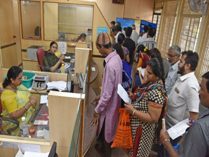 The public-sector banks (PSBs) are lagging behind the counterparts from the private sector when it comes to the digitisation of the transaction, reveals a study. DH file photo for representation only