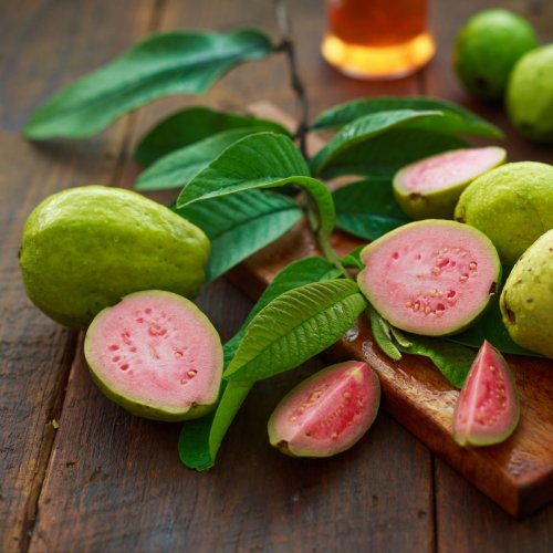 Guava leaves are enriched with antioxidants that fight free radicals, the reason behind the appearance of wrinkles on your skin.