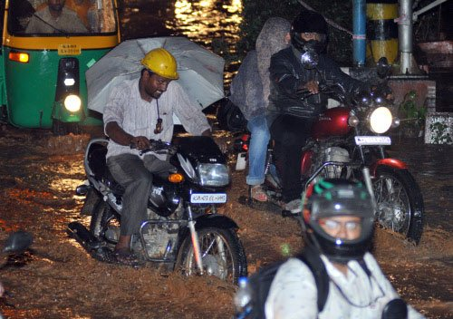 Heavy rain lashes Bangalore for over four hours