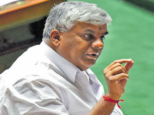 Middlemen's writ runs large at govt depts, says Revanna