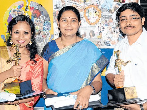 Institution Day at Nimhans, toppers get awards