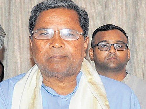Siddu,HDK flay Modi meet inDavangere