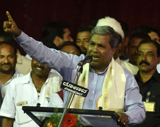 CM, BSY fling corruption charges against each other