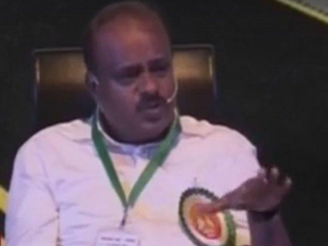 Kumaraswamy asks people to give him one chance to rule Karnataka