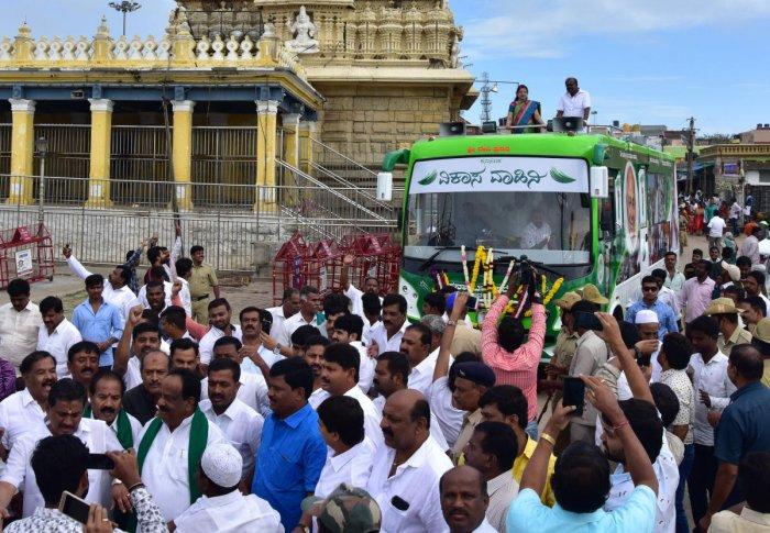 Kumaraswamy launches tirade against chief minister