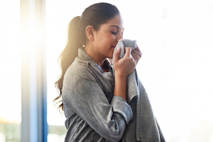 Olfactory cues can help one move on, according to a University of British Columbia study.