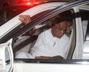 Yeddyurappa leaves for Karnataka, to meet Bhardwaj