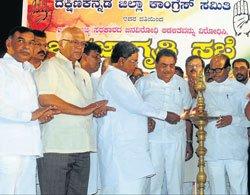 Siddaramaiah lambasts BJP
