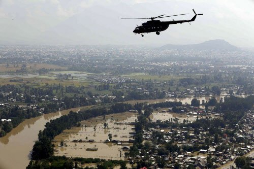Weather clears, rescue work resumes in Kashmir