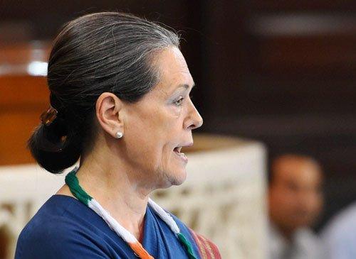 Krishna meets Sonia, complains  against Siddaramaiah government