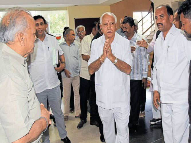 Rebels keep off meet called by Yeddyurappa, may face action