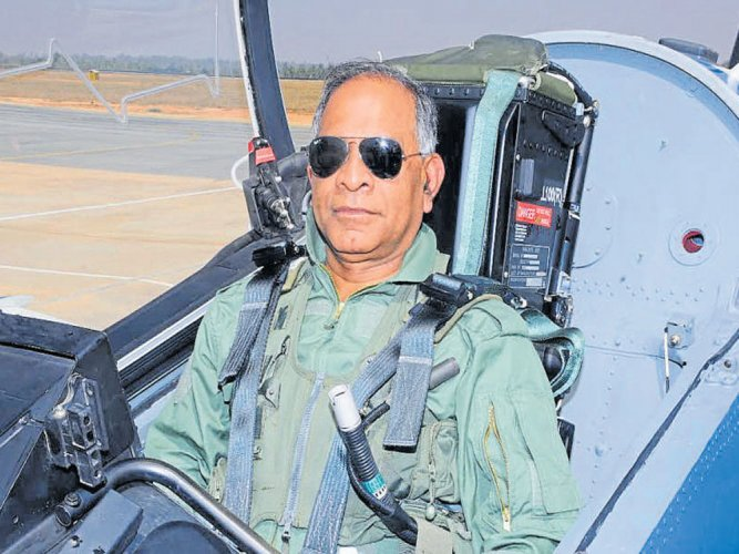 HAL chief flies HTT-40, Hawk-i; terms it lifetime experience