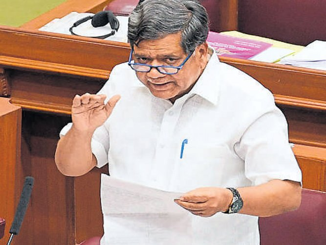 BJP flays Siddaramaiah govt for not waiving off farmers' loans