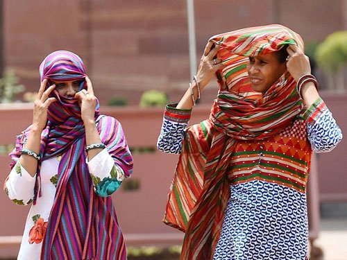 Heat wave like conditions in several states, Bhira in Mah records 46.5 degrees
