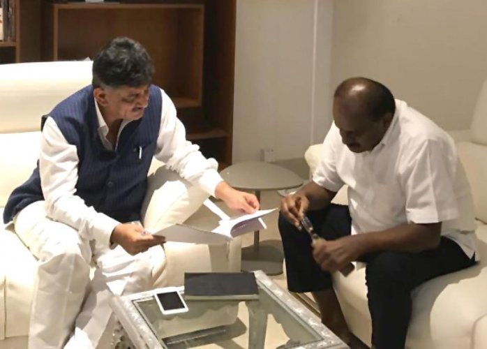 DKS meets HDK to finalise report on power 'scam'