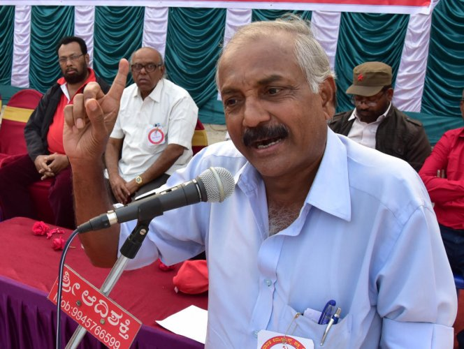 Yeddyurappa must rein in errant BJP leaders: Patil