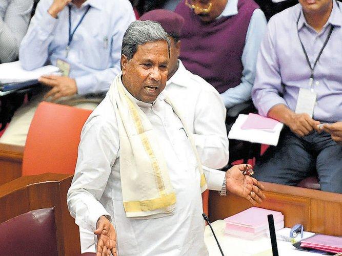 Siddaramaiah likens RSS, Bajrang Dal members to terrorists
