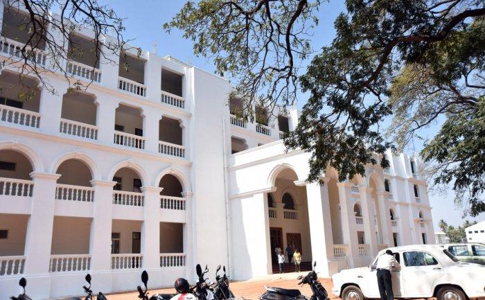 Siddaramaiah to inaugurate new Maharani's College tomorrow