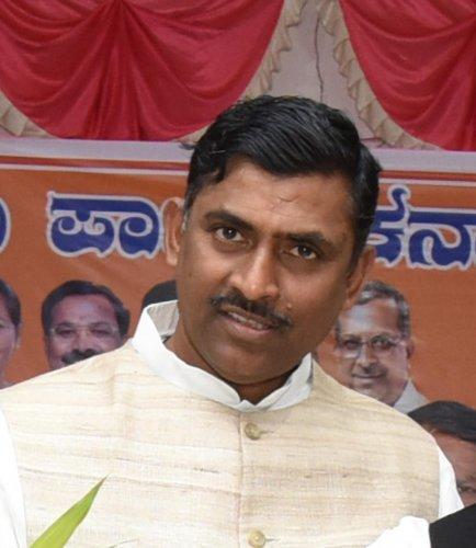 'Rahul Gandhi aaye, Siddaramaiah gaye' : Muralidhar Rao