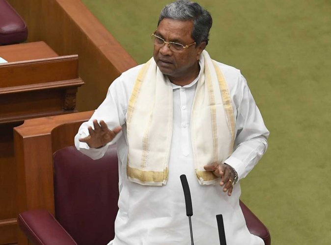 Karnataka polls: Siddaramaiah steps in early to coax disgruntled ministers