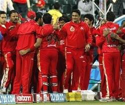 Kohli bats RCB into semis