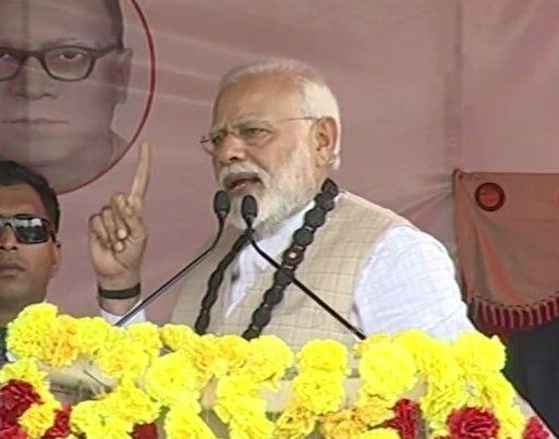 Prime minister Naredra Modi speak in a rally in Thakurnagar, West Bengal on Saturday. (Image credit: Twitter/BJP4India)