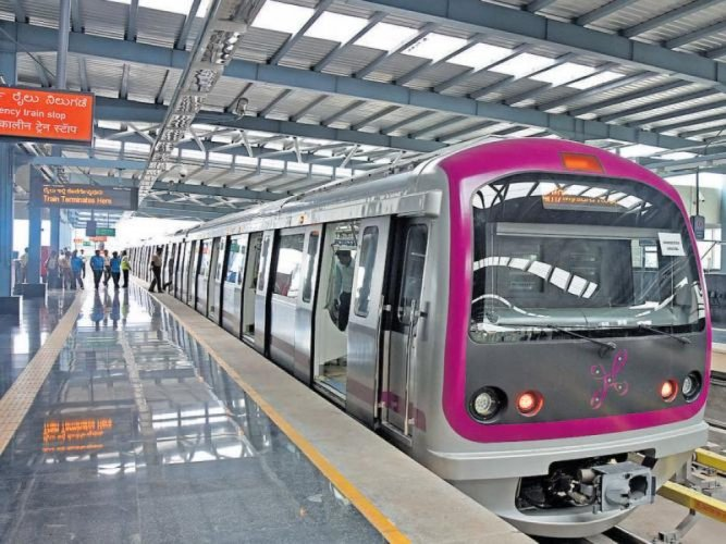 The estimated cost of Namma Metro Phase 2 has been revised at Rs 32,000 crore, while the deadline of some metro lines has been pushed to 2023. DH file photo