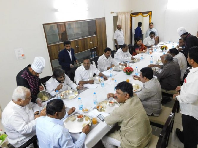 Congress ministers meet at Water Resource Minister D K Shivakumar's house in Bengaluru on Thursday. DH photo.