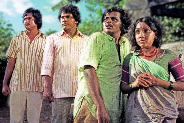 Ambareesh in 'Paduvarahalli Pandavaru'.