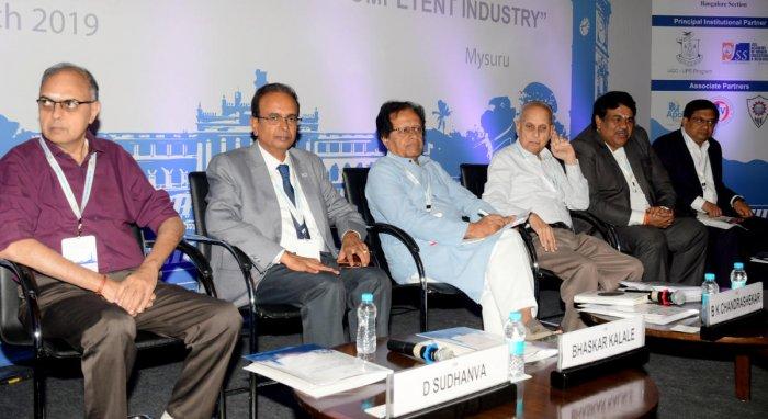 Managing Director of Excel Soft Technologies D Sudhanva, Chairman of CII-Mysuru Bhaskar Kalale, former minister B K Chandrashekar, JSS Mahavidyapeeth advisor Dhananjaya, and chairman of CII-Karnataka N Muthukumar during the 'Indian Higher Education Summit