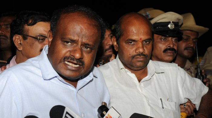 Kumaraswamy said he would try his best to solve the problem of upset leaders in the Congress. DH file photo.